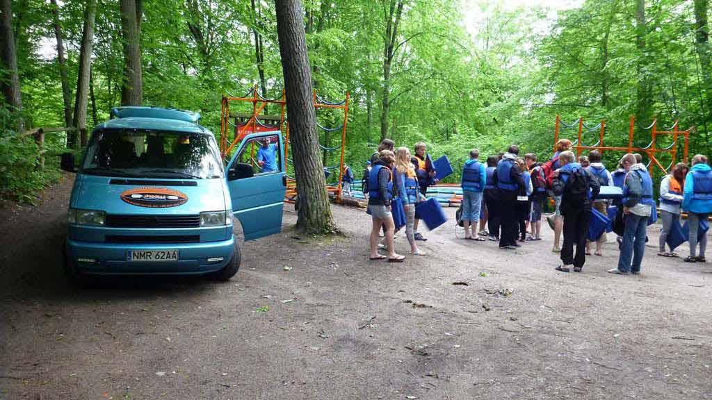 Szlak kajakowy rzeki Krutyni - transport sprzętu i uczestników na miejsce rozpoczęcia spływu
