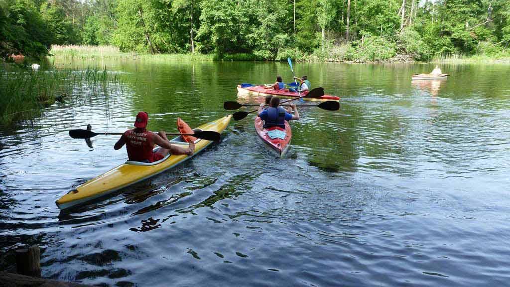 Wypożyczalnia kajaków Wodniak - spływ zorganizowany z asekuracją ratowniczą na rzece Krutyni