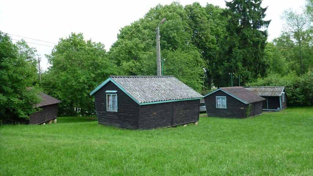 Stanica wodna PTTK w Zgonie - domki campingowe