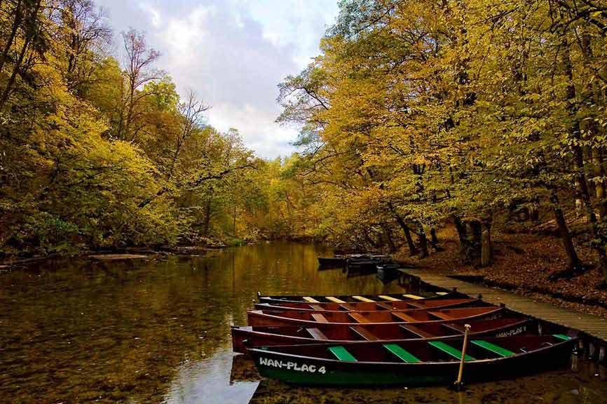 Spływy łodziami po rzece Krutyni