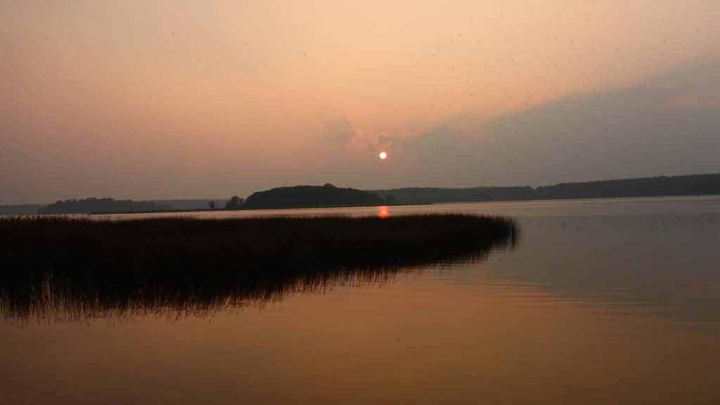 Zachód slońca na Jeziorze Mokrem