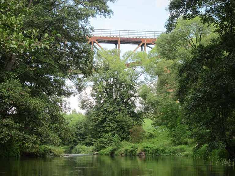 Szlak rzeki Lyny - zabytkowy wiadukt