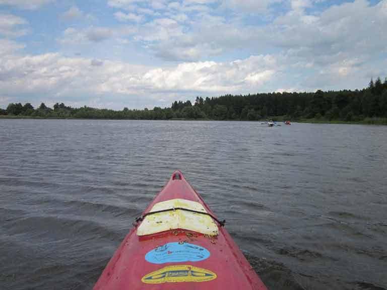Spływ kajakowy szlakiem Łyny - pokonywanie jeziora