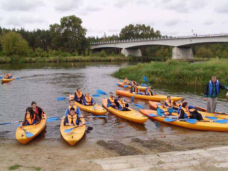 Szlak rzeki Pisy - spływ kajakowy grupy szkolnej