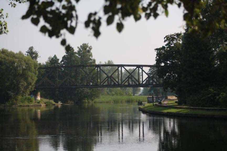 Szlak rzeki Pisy - most kolejowy w okolicy Pisza