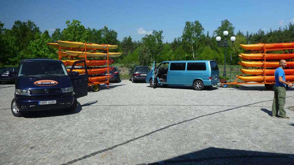 Transport sprzętu na spływ kajakowy